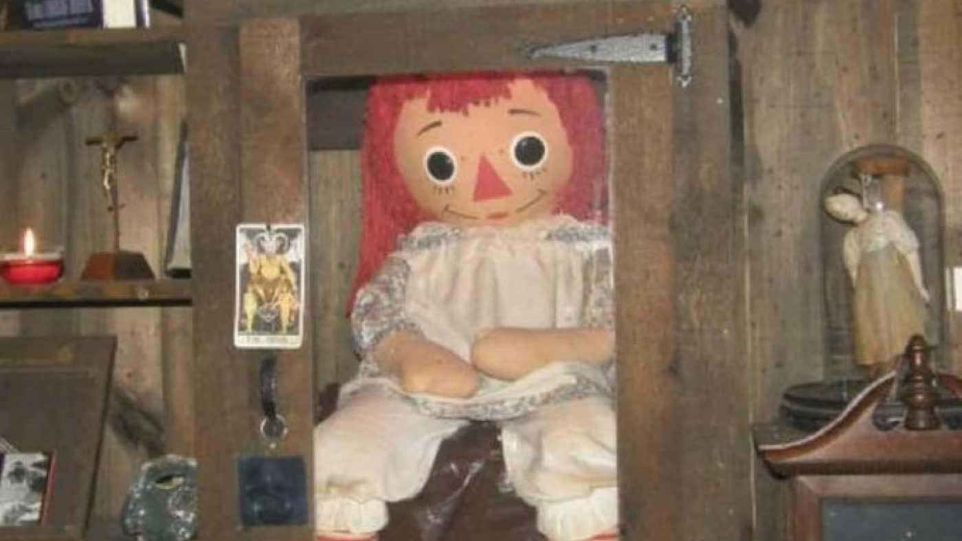 خروج عروسک آنابل