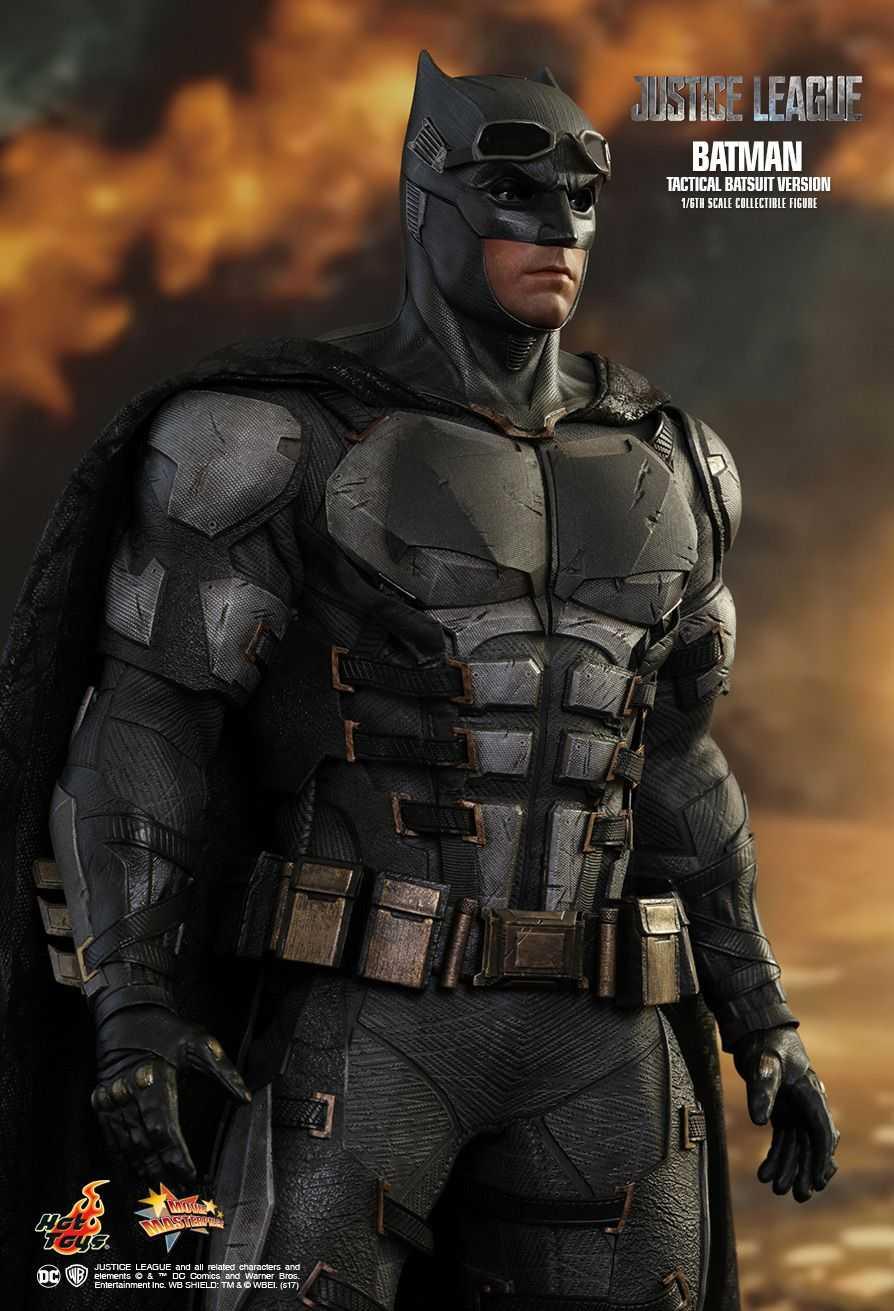 اکشن فیگور Batman Tactical Suit بن افلک هات تویز