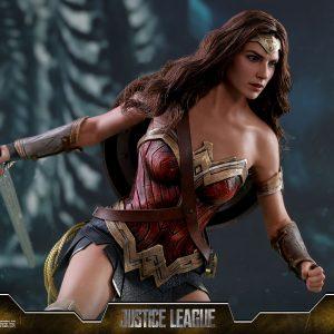 اکشن فیگور Wonder Woman هات تویز Normal