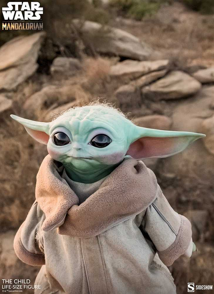 فیگور بیبی یودا Baby Yoda لایف سایز